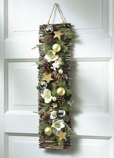Zu Weihnachten basteln - Wundervolle DIY Bastelideen zum Fest Tinker for Christmas - DIY craft ideas - Christmas decorating ideas déco Noel Christmas, Rustic Christmas, Simple Christmas, Christmas Wreaths, Christmas Ornaments, Ideas For Christmas, Art Floral Noel, 242, Diy Weihnachten