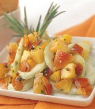 Ensalada de pepinos con duraznos