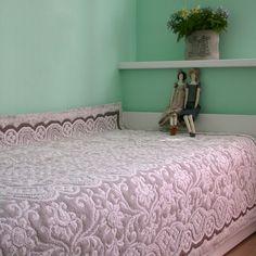linens and lace quilt Anna Chufarovskaia