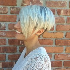 Short Layered Hairstyle For Thin Hair