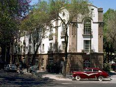 #Hotel Condesa #DF  pequeño y contemporáneo que conserva su fachada de 1928