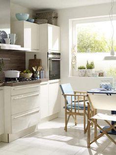 Eine Prise Mittelmeer In Der Küche. Mediterraner Stil ...