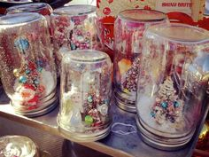 Easy Kids Christmas Craft — How to Make Your Own Snow Globe - One Hundred Dollars a Month Christmas Crafts For Kids, Handmade Christmas, Vintage Christmas, Christmas Snow Globes, Christmas Candles, Vintage Snow Globes, Uses For Mason Jars, Old Chandelier, Pinterest Crafts