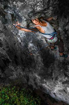 Alex Eggermont rock climbing in Vietnam. Credit: boulderingonline.pl