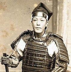 Samurai wearing an armored hachi-maki (hitaigane-maki).
