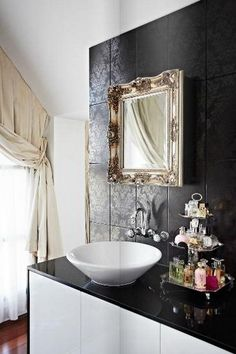 celebrity-homes-megan-hess-bathroom-4