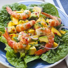 Prawns with Mango and Avocado Salad from Summer TABLE Garnelen mit Mango-Avocado-Salat von Summer TABLE Prawn Mango Salad, Mango Avocado Salad, Avocado Salad Recipes, Avocado Dessert, Mango Recipes, Strawberry Recipes, Avocado Toast, Easy Summer Meals, Summer Salads