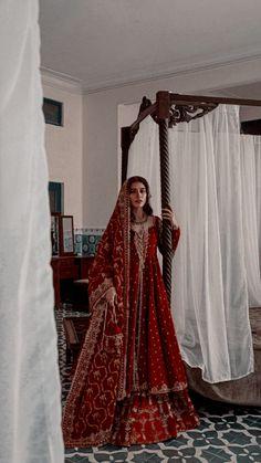 Desi Wedding Dresses, Pakistani Bridal Dresses, Pakistani Dress Design, Indian Dresses, Asian Inspired Wedding, Bridal Dupatta, Indian Aesthetic, Marriage Dress, Indian Bridal Outfits