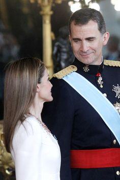 Felipe VI y doña Letizia, dos Reyes enamorados en un día para la historia - Foto 14