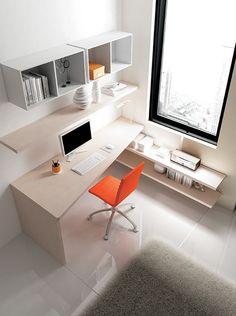 #Scrivania spessore 40mm in essenza larice #Wallbox a giorno laccati bianco, sedia Diva in ecopelle arancia. YC36 catalogo Team for Young www.moretticompact.com