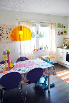 Colourful Scandi kitchen style