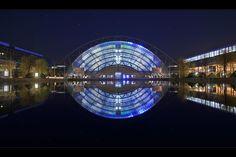 Leipziger Messe - Glashalle und Messesee nachts - tolle Aufnahme von der AMI 2010 von ddsoft auf fotocommunity.com