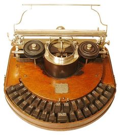 Go here for a collection of beautifully photographed antique typewriters. Prints are on sale here . *Previously: Typewriter m. Objets Antiques, Antique Typewriter, Museum, Decoration Inspiration, Vintage Office, Ex Machina, Vintage Typewriters, Antique Items, Antique Wood