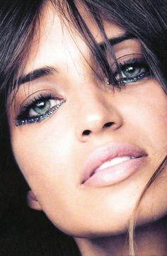 glitter eye liner...something I'm really loving at the moment. #sparkleon #glittergirl #beauty