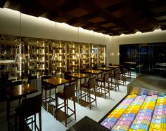 100% chocolate cafe is run by old Japanese chocolate brand, Meiji. The environment was designed by Masamichi Katayama of Wonderwall, while all the graphics were by Groovisions.