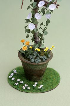 Hey, I found this really awesome Etsy listing at https://www.etsy.com/listing/164039985/lawn-daisy-paper-flower-kit-for-112th