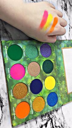 Kush Queen Palette - Makeup Tips Eyeshadow Basics, Blending Eyeshadow, Pigment Eyeshadow, Eyeshadow Makeup, Pink Eyeshadow Palette, Pink Palette, Glitter Makeup, Eye Makeup Tips, Makeup Products