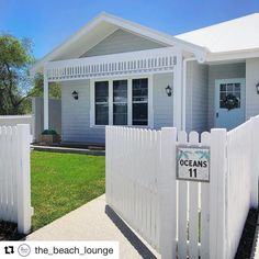 I always get a kick out of seeing my mosaic numbers around my local area, especially when it's on a fabulous looking house like this @the_beach_lounge  #beachhouse #coastaldecor #coastalliving #coastalstyle #beachhome #mosaicart #housenumbers #handmade #madetoorder #shopsmall #shoplocal #etsyau #etsyseller