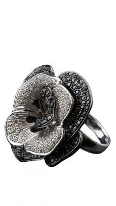 Diamond and Black Onyx Rose Ring by Strandofsilk.com    Indian Jewellery by Diagold   Strandofsilk.com - Indian Designers
