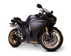 Yamaha R1 - Studio Shot