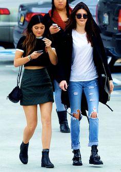 Kendall and Kylie Jenner www.redreidinghood.com