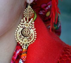 Filigrama -just and real portugese juwellery Visit Portugal, Spain And Portugal, Sea Activities, Portuguese Culture, My Heritage, Folklore, Beautiful World, Jewelery, Crochet Earrings