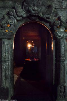 (c) Miikka Järvinen https://miikkajarvinen.com/2016/08/17/cremation-and-puja-at-pashupatinath-kathmandu-nepal/