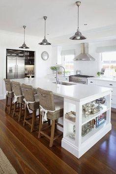 El diseño de espacio abierto es un estilo de diseño contemporáneo que máximiza el área de un piso. Esto se logra eliminando paredes y puertas interiores para obtener líneas de visión despejadas, integrando a la vez diferentes actividades en un único gran espacio. Contenido1 Ventajas de las cocinas abiertas integradas2 Desventajas de las cocinas abiertas …