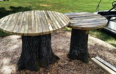 When you look at a tree stump in its original form, you might disregard it while all along it can turn into a piece of beautiful and unique furniture. Given the right tools and techniques, it is easy to turn the tree stump into a table. It can be a side table, coffee table, or any other desirable kind of table depending on an individual and the placement area. Similar Post: How to Make a Bench Out Of Pallets How to make a log bench with a chainsaw Before d #FineWoodworkingCabinet