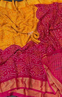 Cotton Dress Indian, Cotton Dresses, Shiffon Saree, Georgette Sarees, Saree Blouse Designs, Printed Blouse, Frocks, Print Design, Ruffle Blouse