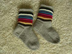 Wool Socks, Knitting Socks, Crochet Stitches, Knit Crochet, Knitting Projects, Handicraft, Mittens, Fashion, Knits