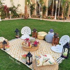 Ramadan Crafts, Ramadan Decorations, Living Room Ideas 2019, Living Rooms, Eid Party, Backyard Lighting, Happy Eid, Outdoor Parties, Iftar