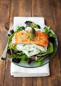 grilled salmon cucumber dill salad