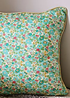 novamelina Liberty Print, Liberty Of London, Trends, Home Furnishings, Couture Ideas, Fabrics, Quilts, Blanket, Sewing