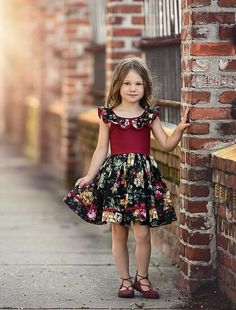Top Newest Kids Summer Casual dresses Designs Baby Girl Party Dresses, Girls Formal Dresses, Little Girl Dresses, Casual Dresses, Girls Frock Design, Baby Dress Design, Kids Dress Wear, Kids Gown, Baby Frocks Designs