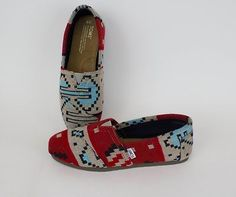 women toms shoes Toms Women Tribal Knit Classic Slip on toms shoes,one for one Runway Fashion, Fashion Shoes, Fashion Accessories, Street Fashion, Womens Fashion, Fashion Tips, Fashion Trends, Cheap Toms Shoes, Womens Toms