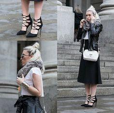 Croptop, skirt and fur scarf