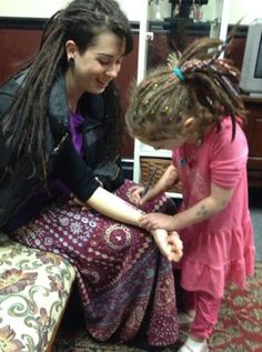 I love this! That little girls dreads are kickass. Love the woman's too. :: #dreadstop