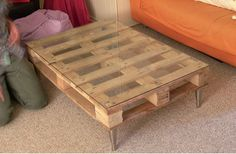 Pallet Coffee Table with plexiglass sheet