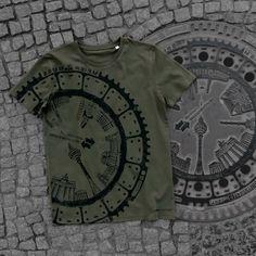 Berlin Mitte T-Shirt | raubdruckerin | manhole cover prints on bags & shirts
