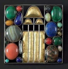 Josef Hoffmann (1870-1956). Brooch, 1907. Executed by the Wiener Werkstätte. Silver - partly gilt agate, coral, lapis lazuli, malachite, turquoise and other semi-precious stones 5 x 5 cm.