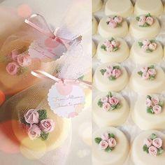 "285 Likes, 10 Comments - Pixies Soap Shop (@pixiessoapshop) on Instagram: ""Congratulations Allison!…"" Cupcake Soap, Soap Cake, Soap Wedding Favors, Glycerin Soap, Soap Packaging, Soap Recipes, Cold Process Soap, Home Made Soap, Beauty Soap"