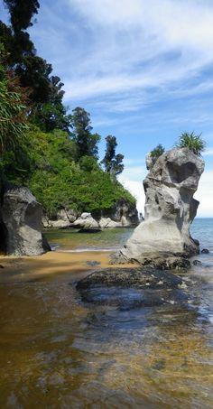 Photographer's Rock, Totaranui, Abel Tasman National Park, South Island, NZ
