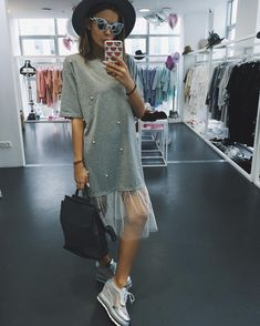 Cheap summer casual, Buy Quality summer fashion directly from China fashion women Suppliers: 2018 women fashion women network yarn short-sleeved T-shirt beaded gauze Summer casual Loose and dress Hem Net Yarn Splice Look Fashion, Diy Fashion, Ideias Fashion, Fashion Dresses, Womens Fashion, Fashion Design, Fashion Trends, Gauze Dress, Look Chic