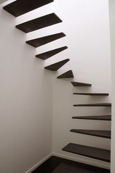I love stairs like these; pity they are illegal nearly everywhere! Feedback Studio, Amaral loft stairs.