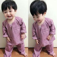 ulzzang kids by: Cute Baby Boy, Cute Little Baby, Little Babies, Cute Kids, Baby Kids, Cute Asian Babies, Korean Babies, Asian Kids, Cute Babies