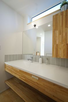 Big Bathrooms, Laundry In Bathroom, Simple Bathroom, Washroom, Lavatory Design, Wet Rooms, Simple House, Interior Design Living Room, New Homes