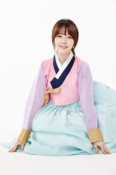 Girl's Day Are Dressed In Hanbok For Photoshoot Celebrating The New Year (+ Video Message) Girls Day Minah, Girl Day, Korean Traditional Dress, Traditional Dresses, South Korean Girls, Korean Girl Groups, Girls Day Members, Bang Minah, New Year Gif