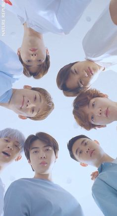 EXO Green Things green color on siding Exo Bts, Kpop Exo, Bts And Exo, Exo Chanyeol, Kyungsoo, Got7, Exo Album, Exo Group, Exo Official