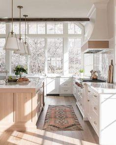 Kitchen Reno, New Kitchen, Kitchen Island, Kitchen Cabinets, Kitchen Ideas, Kitchen White, Kitchen Photos, Wood Cabinets, Kitchen Remodeling